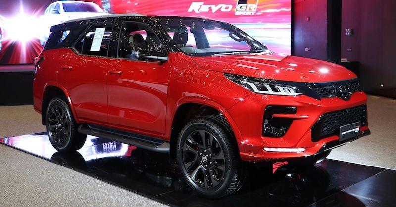 Chiêm ngưỡng Toyota Fortuner GR Sport ra mắt tại Thái Lan